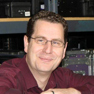Chris Buss Headshot